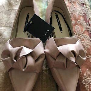 Zara Women's beige shoes size 35 USA 5